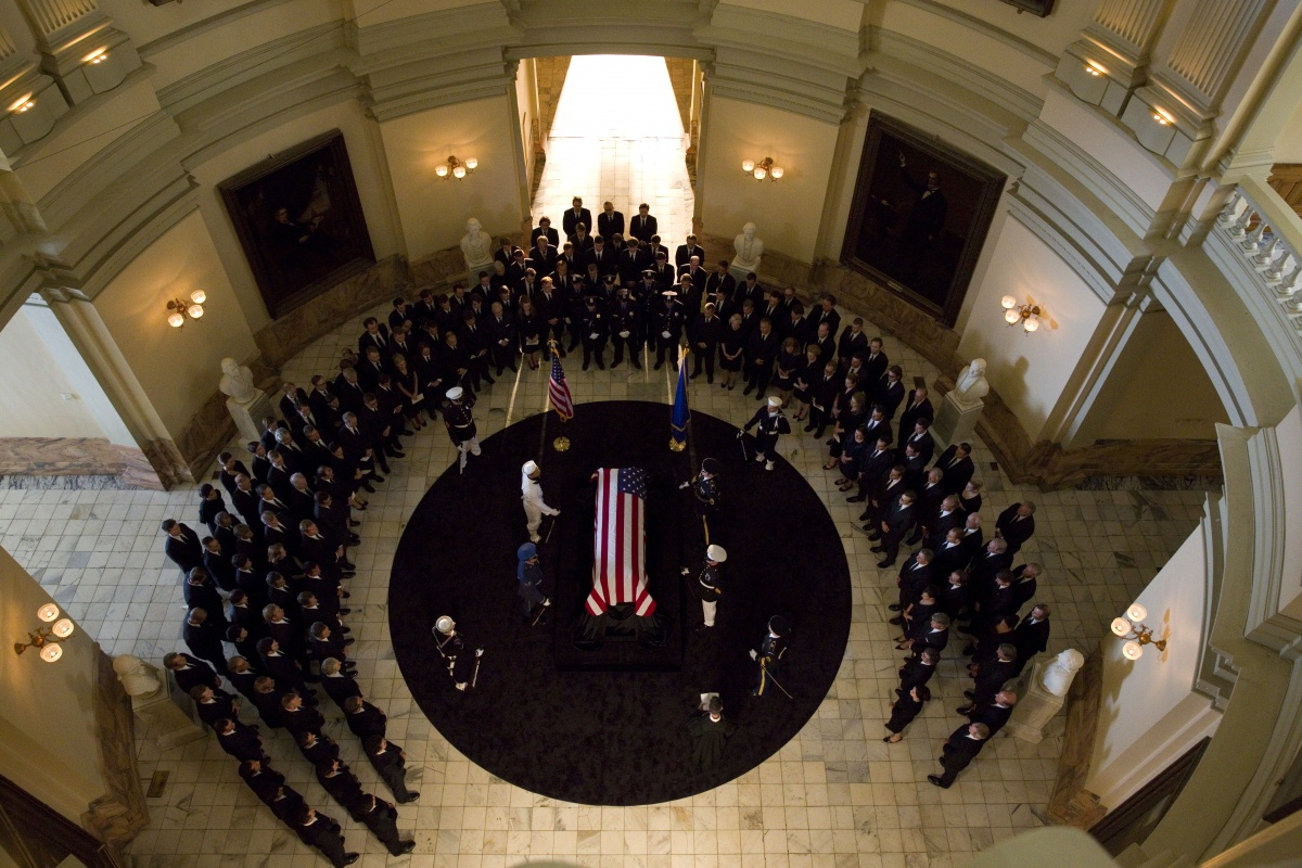 Уотергейт. Крушение Белого дома / Mark Felt: The Man Who Brought Down the White House (2017)