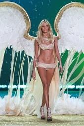 Показ мод Victoria's Secret 2010 2010 кадры