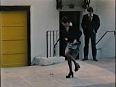 Незнакомец пришел обнаженным 1975 кадры